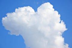 Wolke und Himmel lizenzfreies stockbild