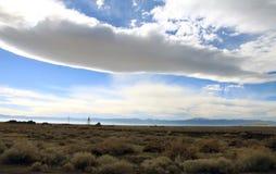 Wolke und Wüste Lizenzfreie Stockfotos