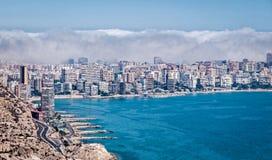 Wolken über Alicante Spanien Stockbilder