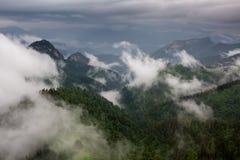 Wolken über dem mountayn großes Thach Stockfotografie