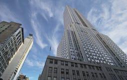 Wolken über der Empire State Building Stockfotos