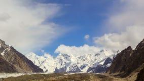 Wolken über Gletscher Inylchek Kirgystan, zentral stock video footage