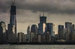 Wolken über New York lizenzfreie stockfotos