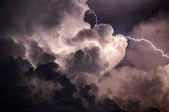 Wolken über See Stockfotos