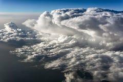 Wolken - Ansicht vom Flugzeug Stockfotos