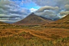 Wolken auf dem Berg Lizenzfreie Stockfotografie