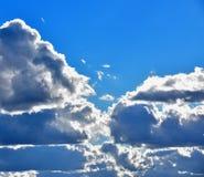 Wolken auf dem blauen Himmel lizenzfreies stockbild