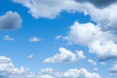 Wolken auf dem Himmel Stockbilder