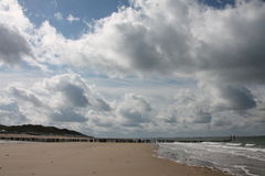 Wolken auf dem Strand Lizenzfreie Stockbilder