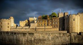 Wolken bij de Toren Royalty-vrije Stock Afbeelding