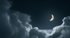 Wolken bij nacht Stock Afbeeldingen
