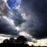 Wolken bij schemer Stock Foto's