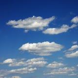 Wolken in blauwe hemel. Royalty-vrije Stock Fotografie