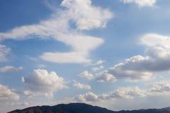 Wolken in blauwe hemel Royalty-vrije Stock Afbeelding
