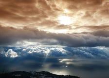 Wolken boven een overzees Stock Afbeeldingen