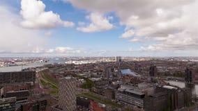 Wolken boven Havenstad stock footage