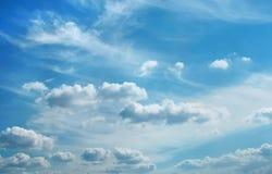 Wolken boven stad stock afbeelding