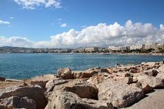 Wolken in Cannes. Beroemde baai van Cannes in Frankrijk Royalty-vrije Stock Foto's