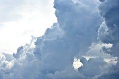 Wolken, Cumulo-Nimbus, Onweer, Dalingsweer stock foto