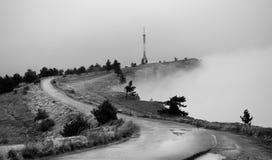 Wolken in de bergen Stock Foto's