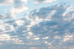 Wolken in de hemel Wolken in de hemel Ook is de blauwe hemel heel wat wolken Royalty-vrije Stock Afbeelding