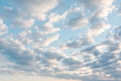Wolken in de hemel Wolken in de hemel Ook is de blauwe hemel heel wat wolken Stock Foto's