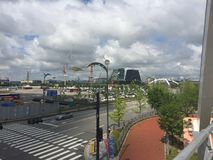 Wolken in de hemel in stad Stock Afbeelding