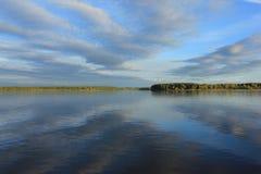 Wolken in de rivier Royalty-vrije Stock Afbeeldingen