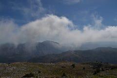 Wolken in den Bergen, Spanien Lizenzfreies Stockbild