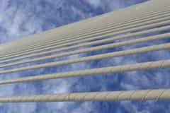 Wolken in den Linien Stockfotografie
