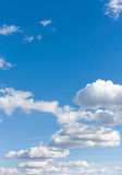 Wolken 5 des blauen Himmels und des Weiß Stockbilder