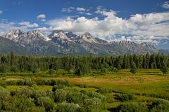 Wolken die de piek van Grand Teton harken Stock Fotografie