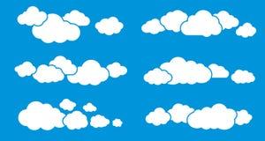 Wolken die op Blauw worden geïsoleerd De inzameling van wolken Royalty-vrije Stock Afbeelding