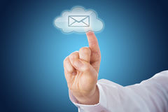 Wolken-E-Mail-Ikone auf dem blauen Boden aktiviert durch Note Stockbilder