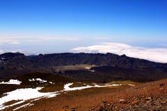 Wolken en bergenmening dichtbij Teide-vulkaan Royalty-vrije Stock Afbeelding