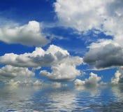 Wolken en overzees Stock Afbeelding