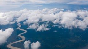 Wolken en rivier royalty-vrije stock foto