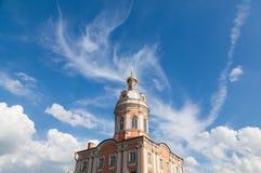 Wolken en toren Royalty-vrije Stock Afbeeldingen