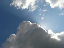 Wolken en zonlicht Stock Foto