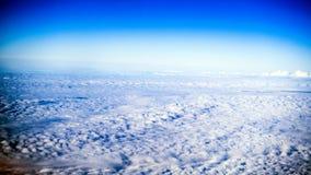 Wolken, Flugzeugfenster stockfoto