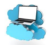 Wolken gegevensverwerking en laptop Stock Foto
