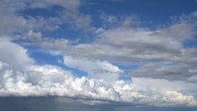 Wolken Geschoten op Canon 5D Mark II met Eerste l-Lenzen stock video