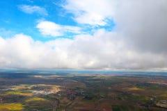Wolken gesehen von einem Flugzeug, Sonnenschein, Bodenhintergrund stockfoto