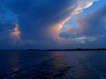 Wolken-Glühen lizenzfreies stockfoto