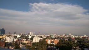 Wolken, hemel en stad Royalty-vrije Stock Afbeelding