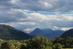 Wolken holen frühen Schnee Lizenzfreies Stockfoto