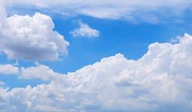 Wolken im Himmel Lizenzfreies Stockfoto