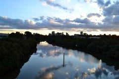 Wolken im Wasser Stockfotos