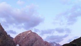 Wolken in licht de het plaatsen zon Geschoten op Canon 5D Mark II met Eerste l-Lenzen Taji stock videobeelden