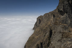 Wolken met berg Royalty-vrije Stock Fotografie